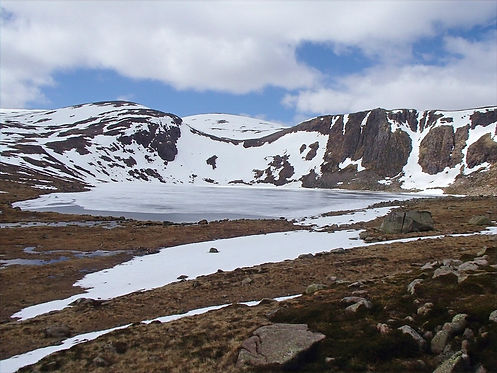 snowy mountains in the cairngorms