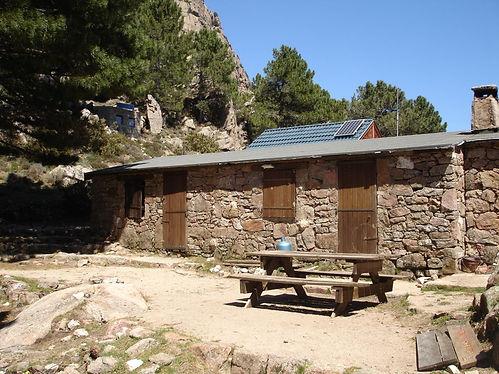 cabin along the gr20