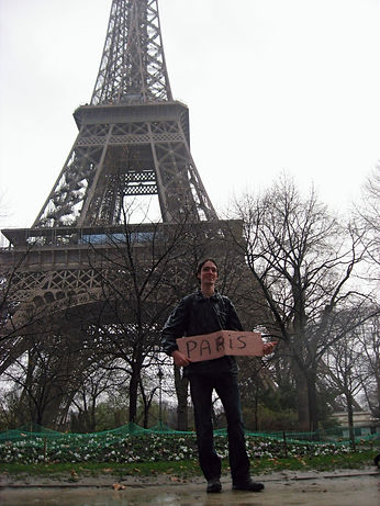 Hitchiking to the eiffel tower
