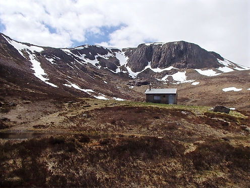 shelters in the cairngorms