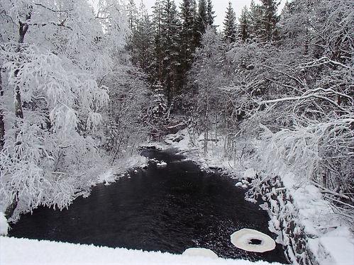 frozen river in oslo