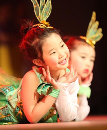 2016 国际少儿舞蹈节 演出1111.jpeg