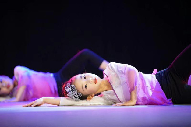 2016 国际少儿舞蹈节 演出2.jpeg