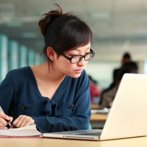 在線上二十節課可以得到百分之十五的優惠。