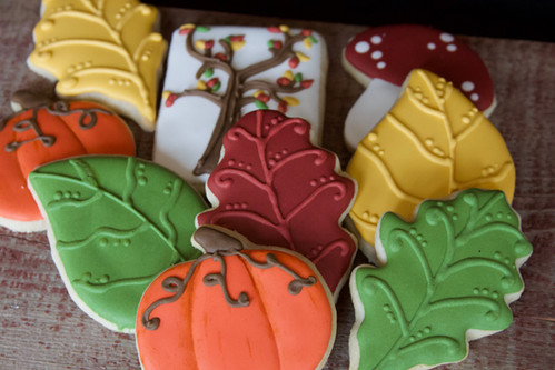 Fall pumpkin and leaves sugar cookies