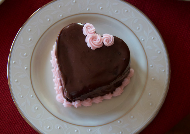 "Valentine Mini Heart Cake 4"""