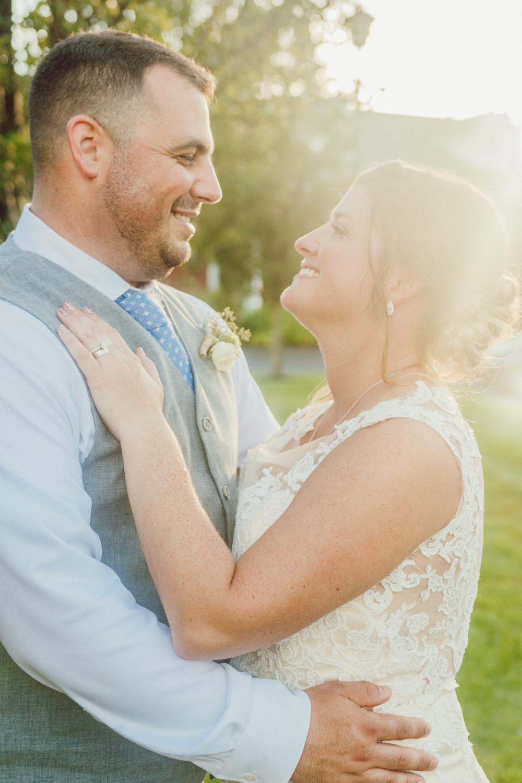 wedding bride and groom portrait colonial hotel gardner