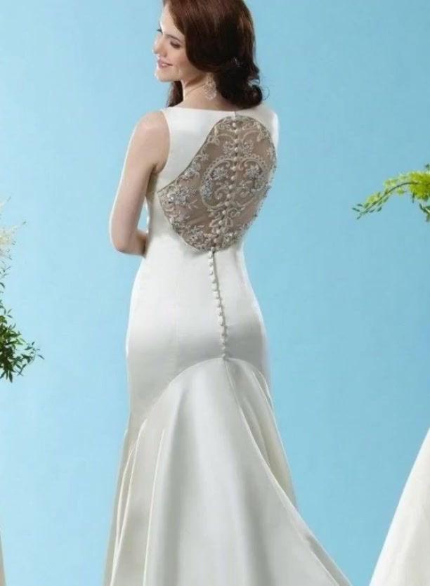 Wedding gowns under $1000