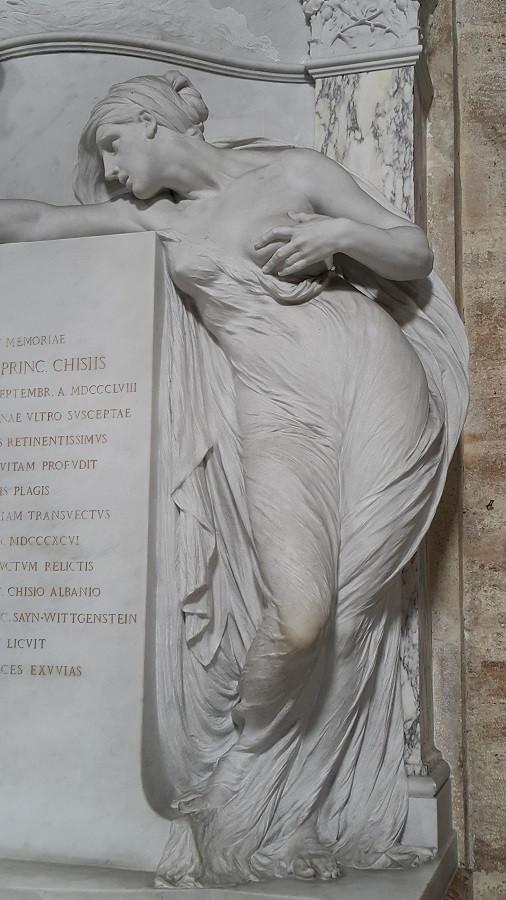 The Agostino Chigi monument, Santa Maria del Popolo, Rome. Photo: www.jessicagroenendijk.com