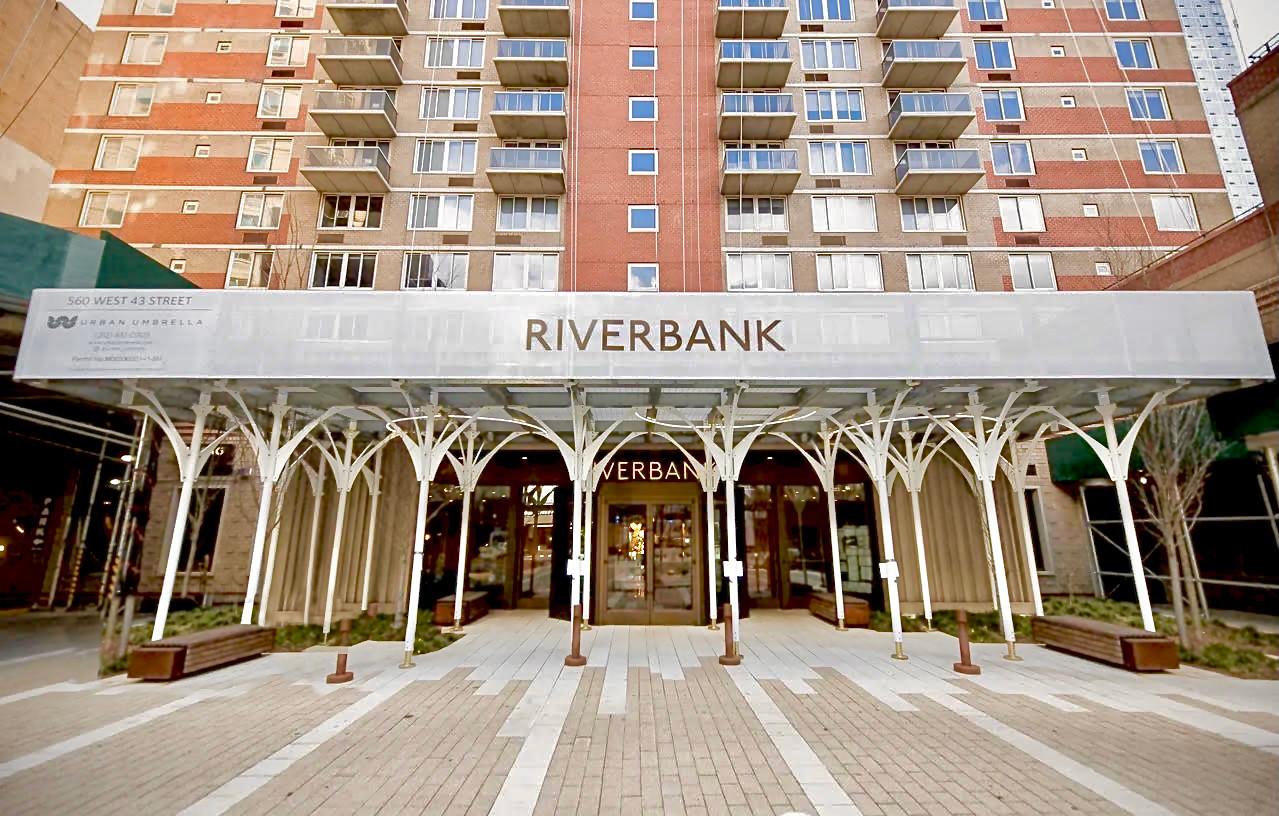 Riverbank-Urban-Umbrella.jpg