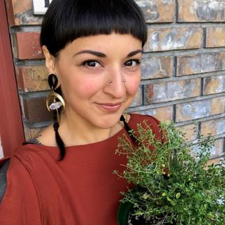 Roseanna Colabella (she/they)