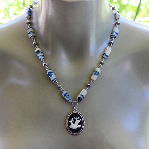 Black & White Dove Cameo Beaded  Chain