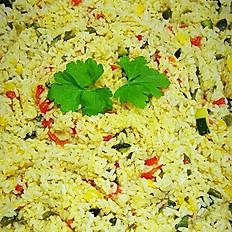 Rijst met gebakken groenten (paprika, courgette, ajuin)