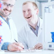 smiled-scientists-at-work-PKY7GWX.jpg