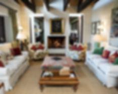 Photo Lounge.jpg