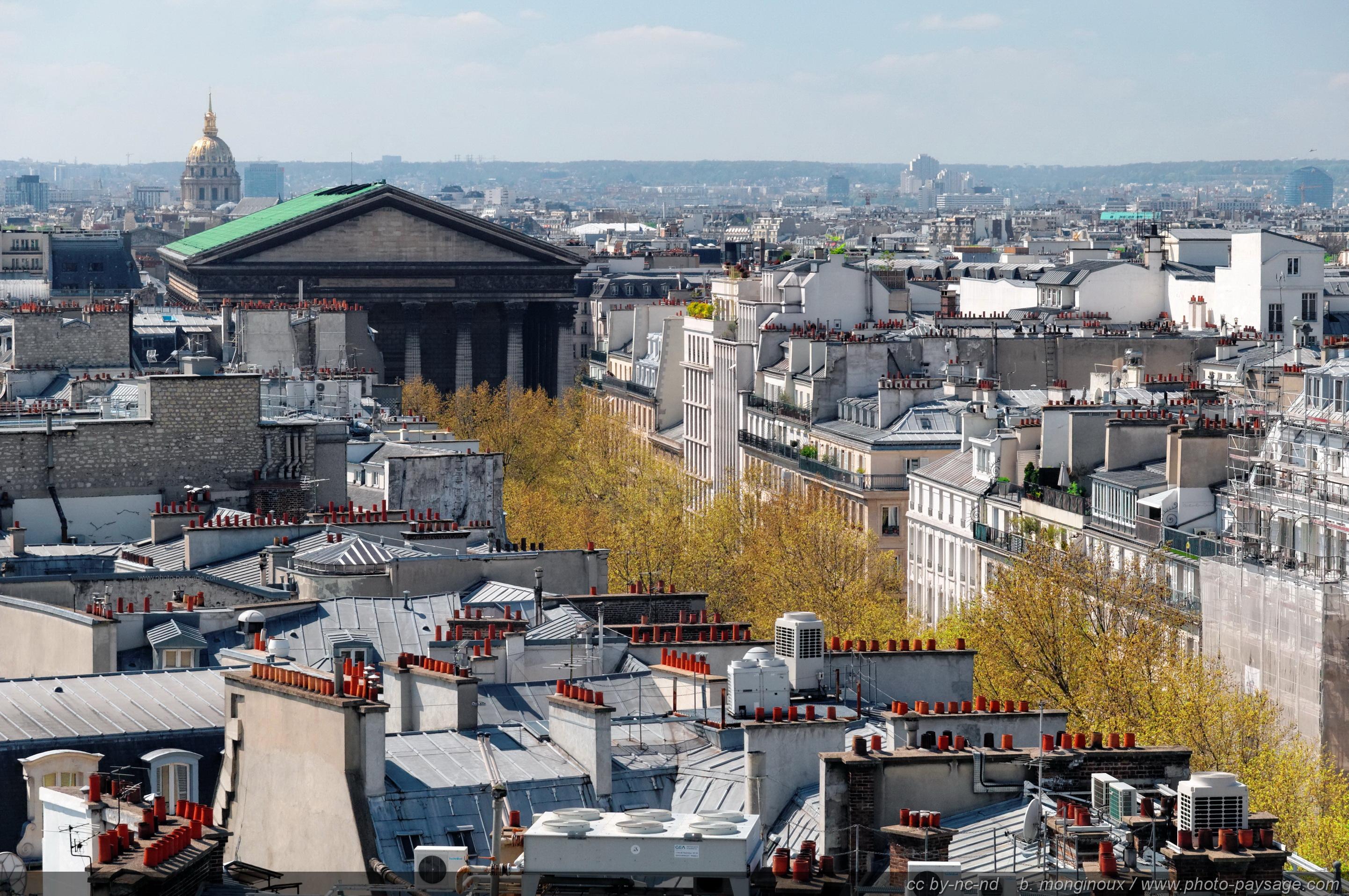 Les-toits-de-Paris-et-l_eglise-de-la-Madeleine