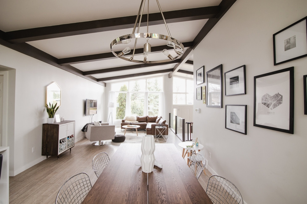 Magellan Bay livingroom.jpg