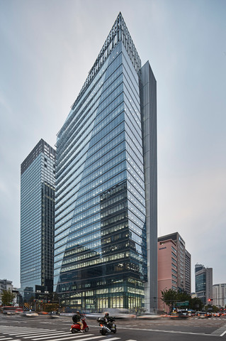 IBK Finace Tower