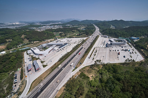 Seohaean Expressway Maesong Resting Facility for Freight Vehicles