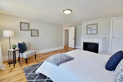 A historic New England bedroom design