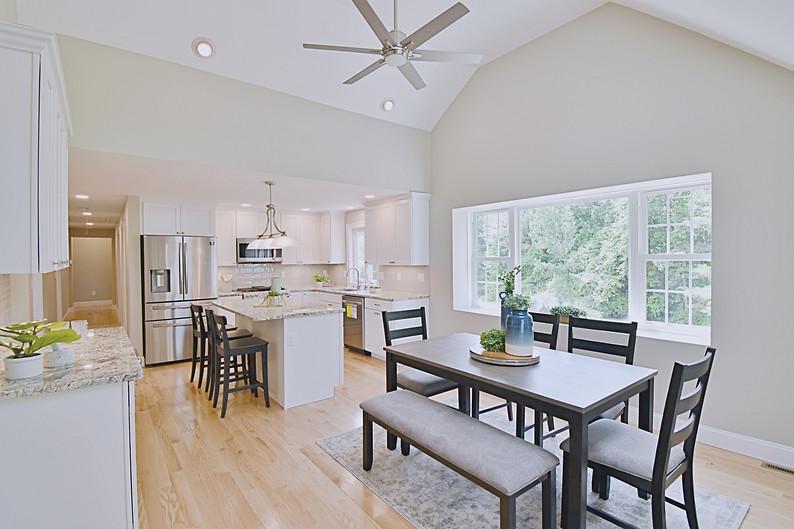 Interior Design Home Staging Eat In Kitchen