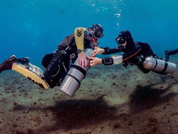 Women in Technical dive training can't b