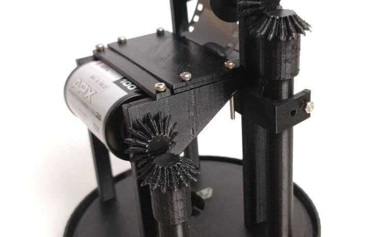 Inside of The TINHOLE Camera