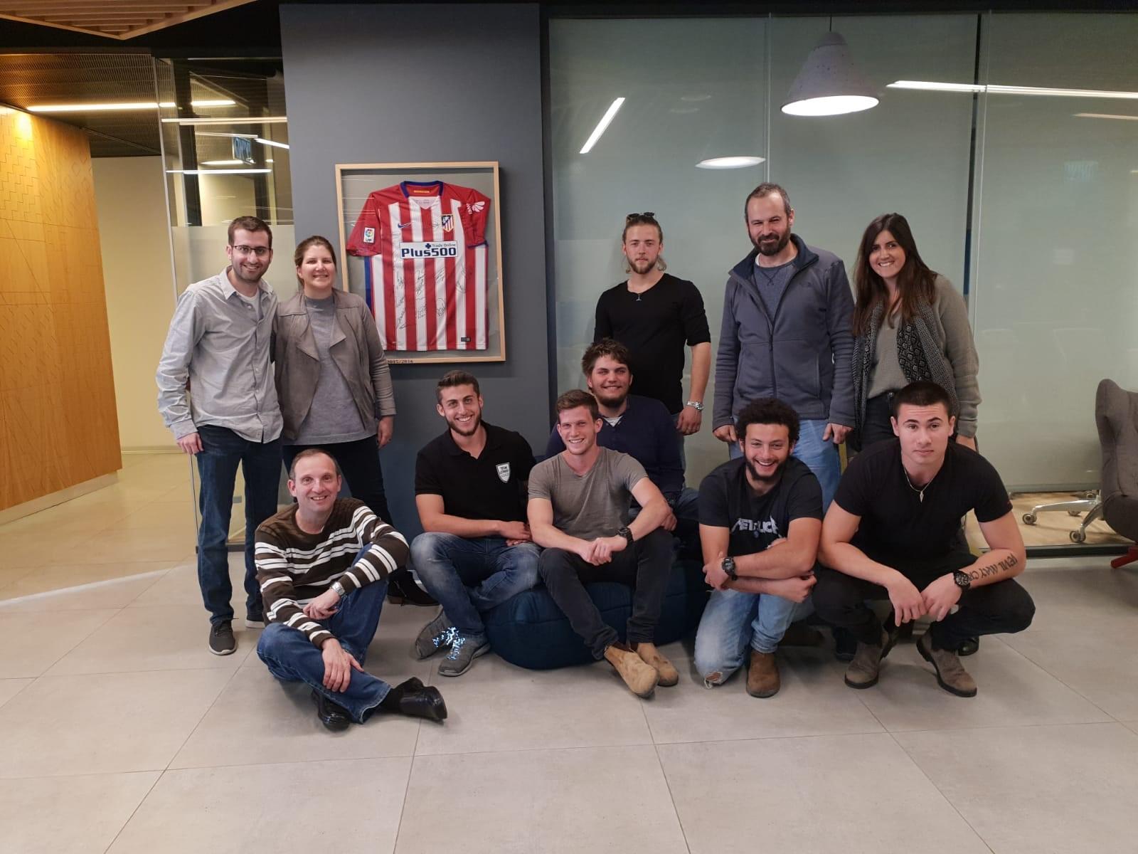 חניכי שנה ב'  סדנא עסקית רביעית חברת פלו