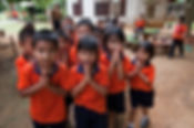 DER WAI in THAILAND KINDER