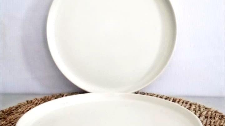 Plato de pan liso beige para horno