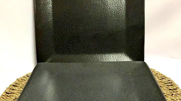 Plato de fondo negro matizado