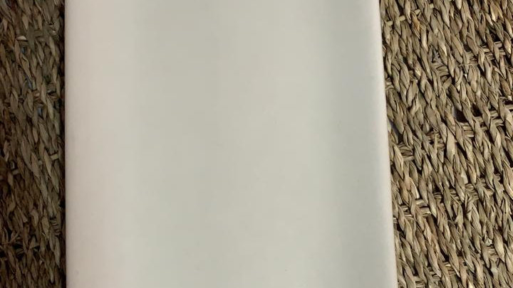 Bandeja blanca lisa