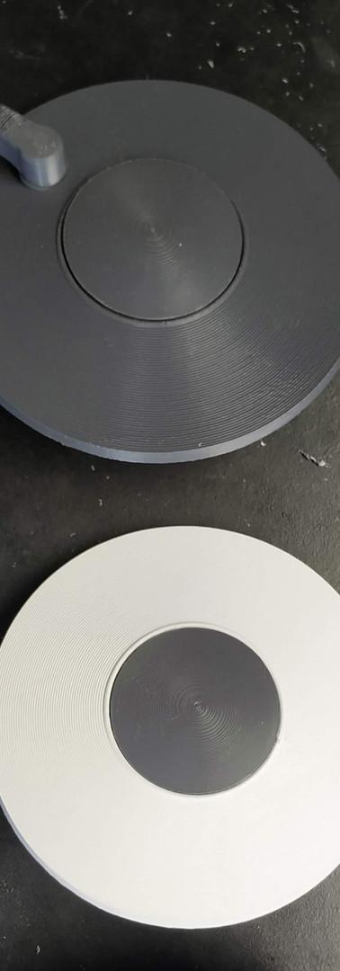 Peças modeladas e impressas baseadas no modelo original.