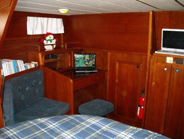 Sea Sprite, Master Cabin Port Forward (2