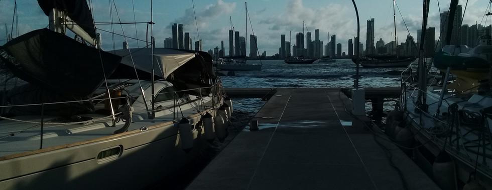 Speedboat passes at 10knots (inner bay s