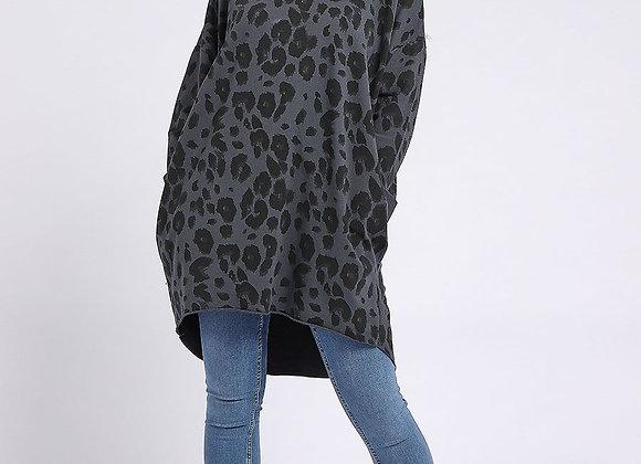 Leopard Print Dipped Hem Cotton Top