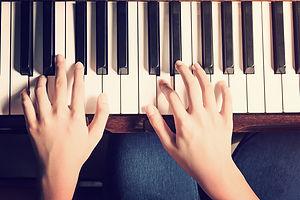 pixta_piano1.jpg