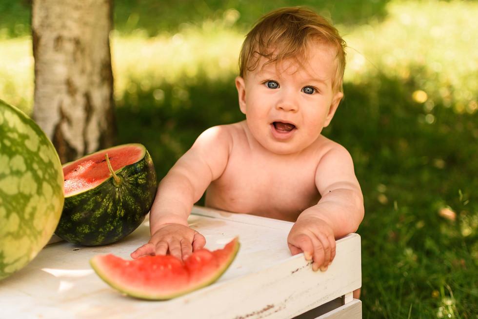 Baby_Shooting_Wassermelone_Foto_Sonnensc