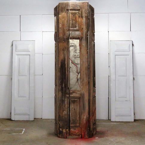 Estado de Espírito VI - Instalação Torre na galeria Wozen, Lisboa, 2016