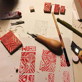 processo de selo em linóleo para tatuagem