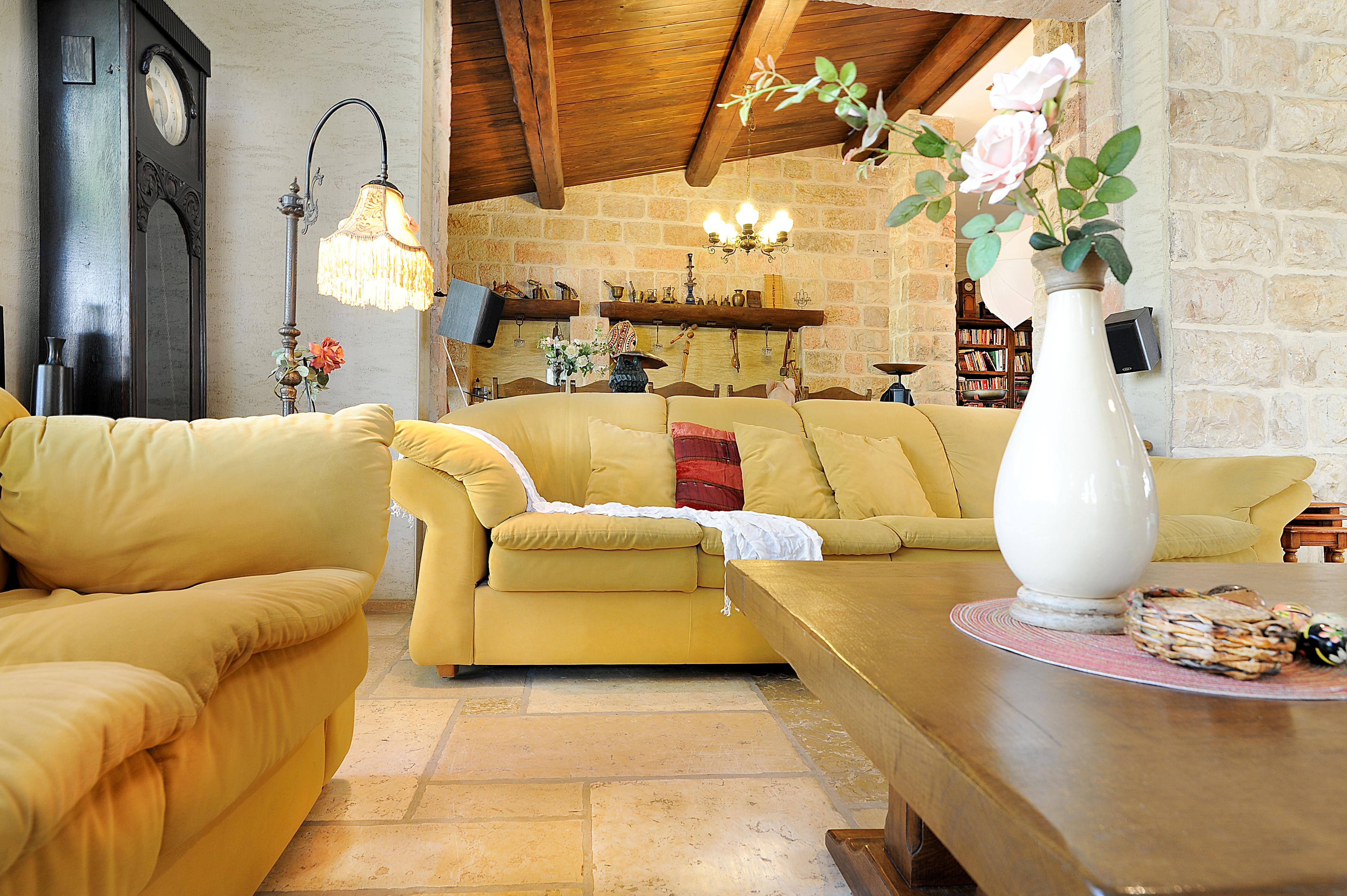 Living Room 05a