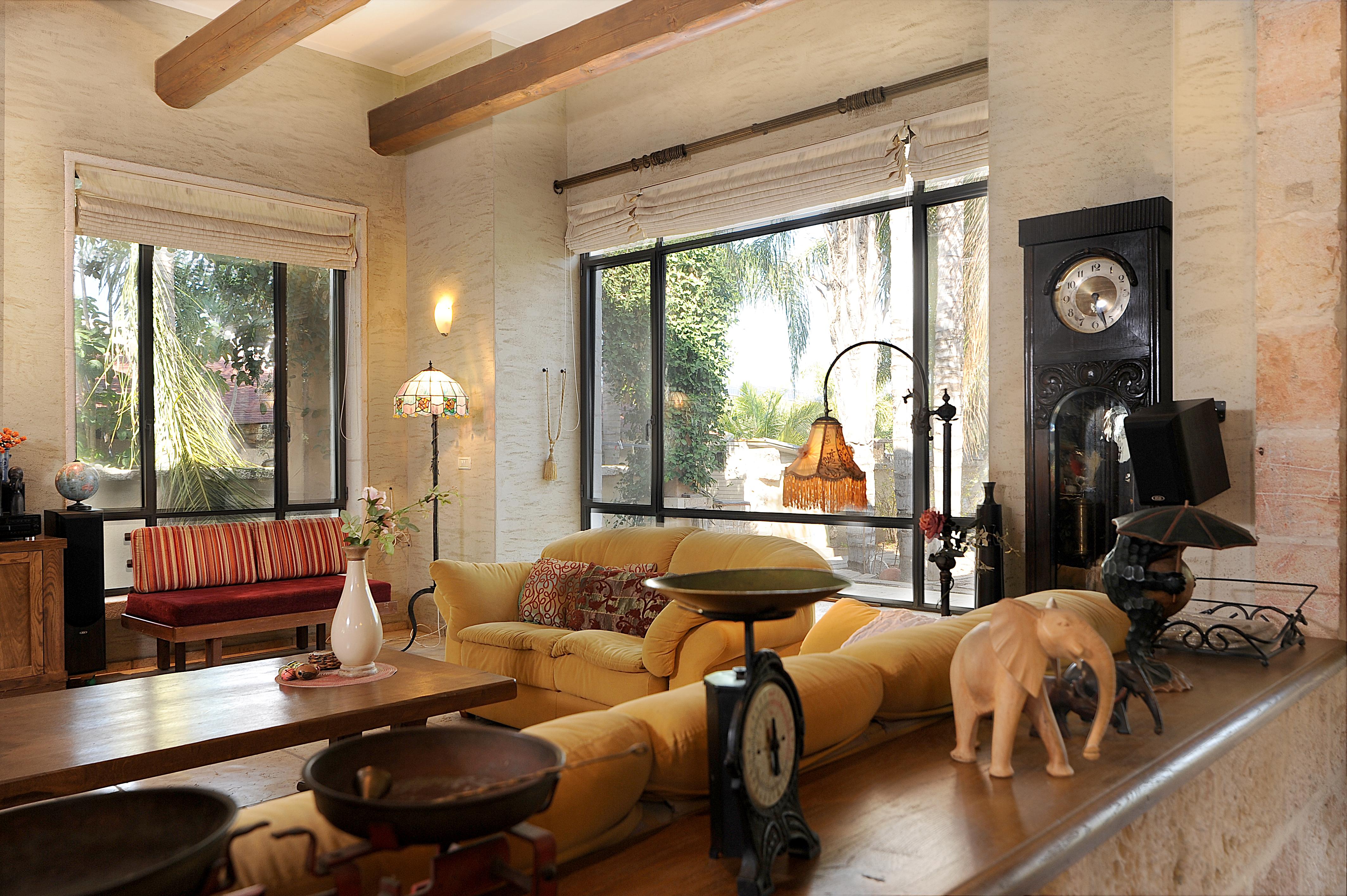 Living Room 06a
