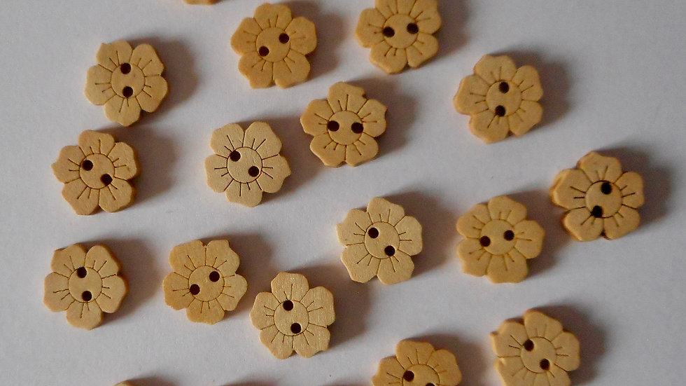 Plain flower shaped 2 hole wooden buttons