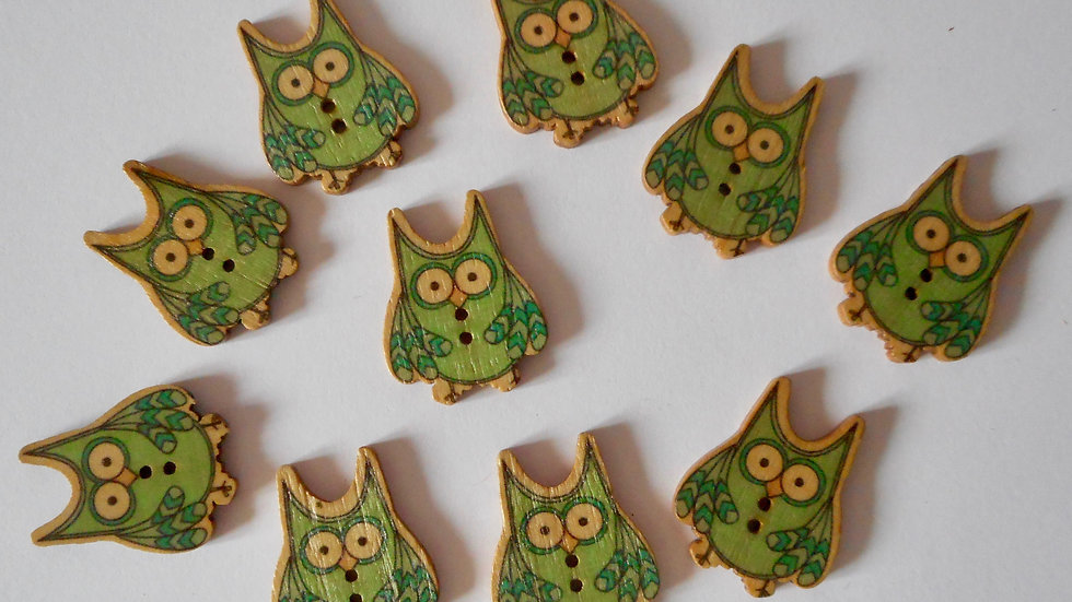 Green Owl 2 hole Wooden buttons