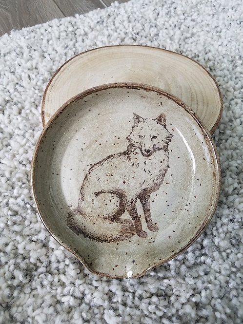 Fox character carved spoon rest