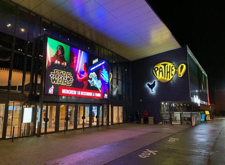 écran géant extérieur cinéma Pathé Avignon