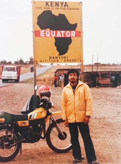 ケニア赤道にて