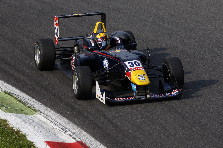FIA FORMULA 3 EUROPEAN CHAMPIONSHIP 10
