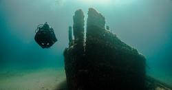 Russ Green Dives D. M. Wilson