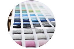 Široká paleta barev umožnuje mít kašmírový svetr v trendy barvě, stejně tak jako v nadčasových barvách jako je šedá či camel.